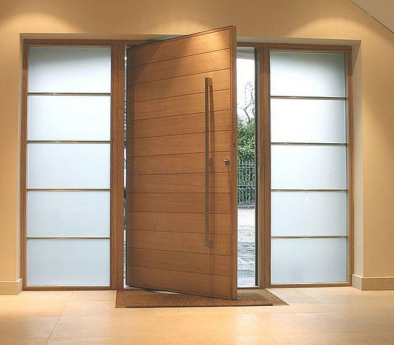 Puerta de madera hierro y vidrio puertas 100 for Puertas de entrada de madera y vidrio